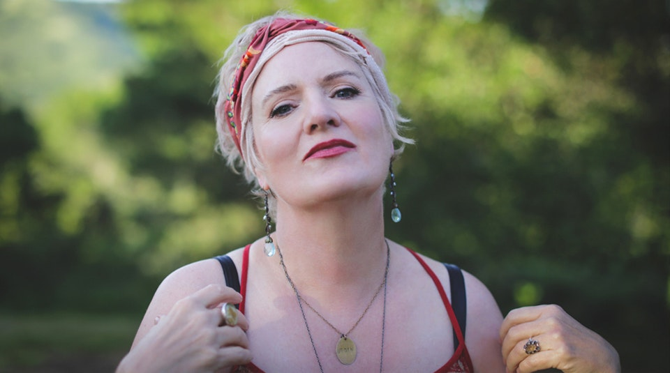 Singer Monica Pasqual